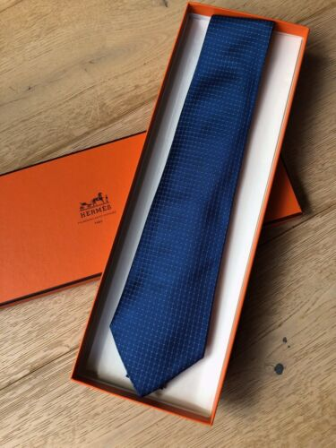 Cravate hermes neuve soie lourde bleue