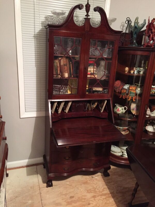 Early 1900s Clawfoot Secretary bookcase/Desk mahogany Lockable Desk And Drawers