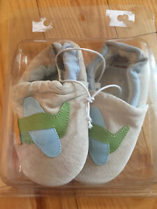 Size 4 Baby Shoes - so cute NEW