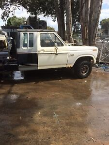 Ford bronco f100 4x4wreking whole trucks all parts from $100 Seaford Frankston Area Preview