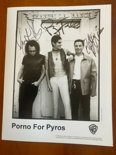 """PERRY FARRELL   Porno For Pyros                     SIGNED 8"""" X 10"""" Photo"""