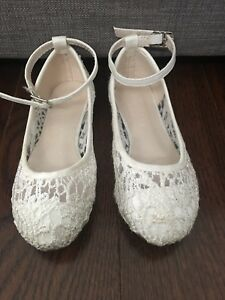 White dress shoes size 9 toddler