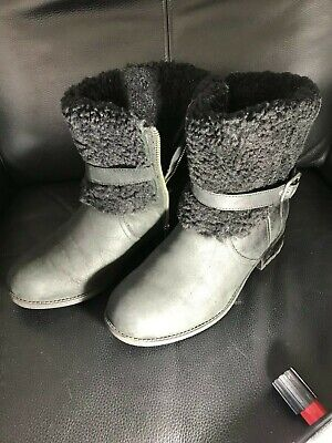 UGG AUSTRALIA CLASSIC SHORT Black Suede BOOTS Sheepskin Lined Size EU 40 for sale  Shipping to Ireland
