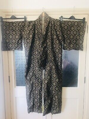 Stunning Traditional Vintage Japanise Kimono