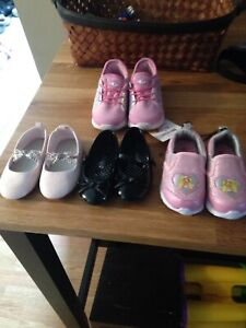 Toddler shoes 6t and 7t