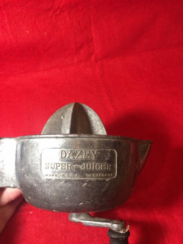 Vintage Dazey Super Juicer,Wall Mount,Aluminum,Hand Crank,Dazey Churn & Mfg