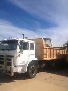 Bobcat & truck hire Wanneroo Wanneroo Area Preview