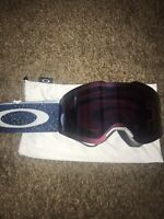 a4d27b5b77f5 New without tags New Oakley SNOW GOGGLES FLIGHT DECK™ PRIZM™ OO7050-34 BLACK  HI PINK MIRROR 7050 Best Offer
