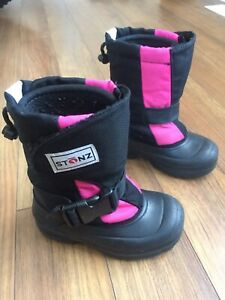 Kids winter boots, toddler size 10