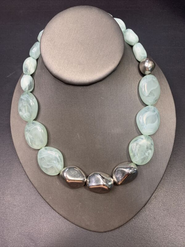 """Vintage Silver  Tone Lucite Aqua Sea Glass Color Faceted Beaded Necklace  16-18"""""""