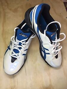Kids Asics Boots! New Condition!! Salamander Bay Port Stephens Area Preview