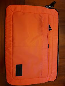 Targus 13 inch laptop sleeve. Armidale Armidale City Preview
