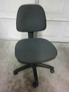 Pivot Medium Back Ergonomic fice Chair Gray Fabric