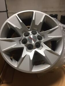 2017 GMC Canyon 17 inch Alloy wheels