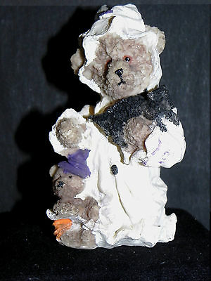 Estate=  Halloween  White Ghost Bear Holding Black Cat and Baby Bear at Feet Wow