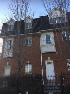 Available immediately 3+1 bedroom Townhouse RENT new renovated
