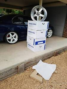 Holden Commodore new staggered 20 inch simmons Waikerie Loxton Waikerie Preview