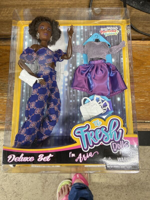 """The Fresh Dolls I'm Aria Deluxe Set -11.5"""" AA Doll - Articulated - New"""