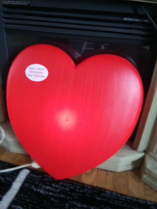 "New 19"" red heart lights up  blow mold Union products Valentine"