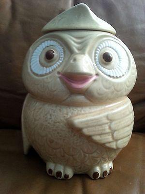 VINTAGE  OWL BIRD Cookie or Dog Treat Jar USA 204 Beige Pink Beak