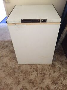 Whirlpool deep chest freezer Freemans Reach Hawkesbury Area Preview