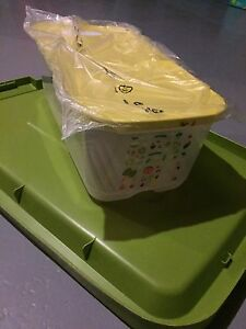 NEW Tupperware