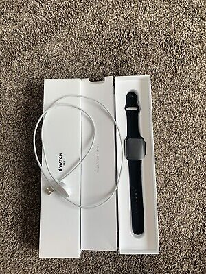 EXCELLENT CONDITION | Series 3 (GPS) Apple Watch (Space Grey) 42mm Strap.