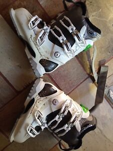 Salomon ladies Divine RS ski boots size 23.5