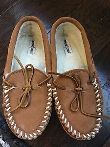 Kids moccasin slippers/shoes Size 4