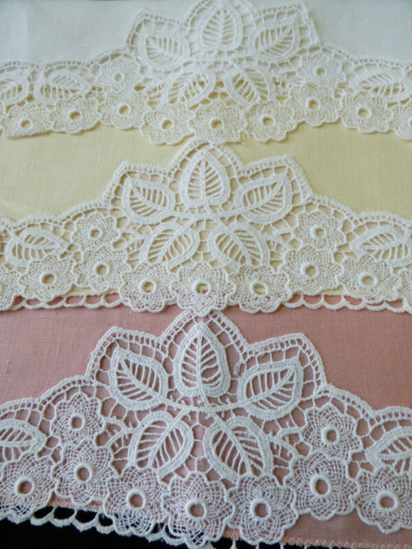 VTG lot of 3 color Nice color Linen crochet lace Cloth Placemat doily tea towels