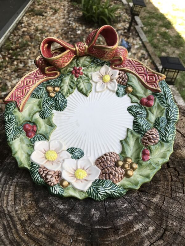 """VTG Fitz and Floyd Classics Christmas Wreath plate 9"""" Pine Cones Flowers Red Bow"""