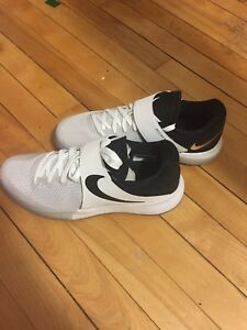 Nike Zoom Live for sale