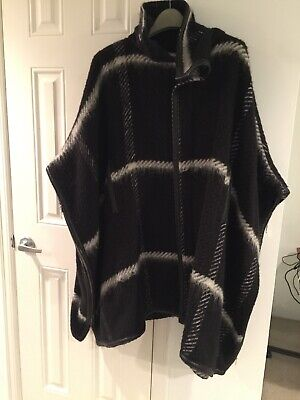 Henrik Vibskov Wool Women's Black And White Cape One Size