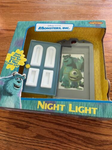 2001 DISNEY/PIXAR/SPINMASTER TOYS MONSTERS INC NIGHT LIGHT SULLY/MIKE NEW