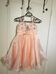 Party dresses  Roxburgh Park Hume Area Preview