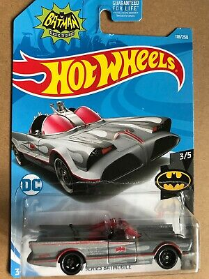 2017 🔥Hot Wheels 🔥 TV Series BATMOBILE DC Comics 118/250 0887961703894