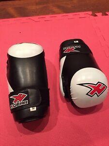 3 paires de gants de karaté