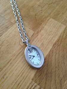 Montre collier Guess