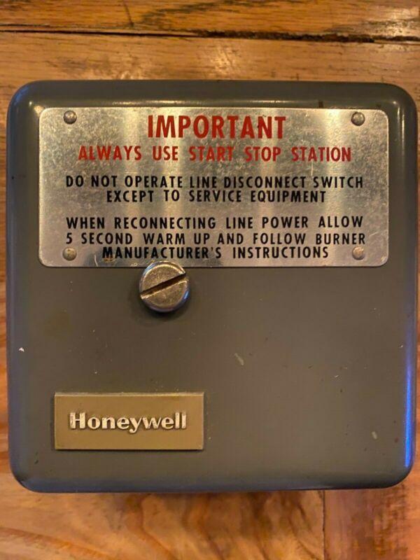 Honeywell Protectorelay RA890G 1229 4 Flame Relay