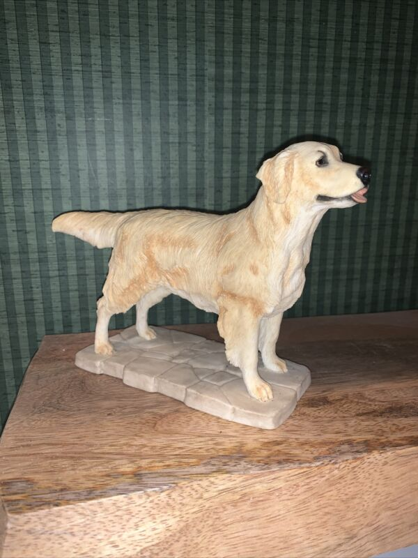Golden Retriever statue by Sherratt and Simpson-Beautiful