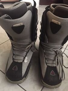 Snowboard Boots - in great shape