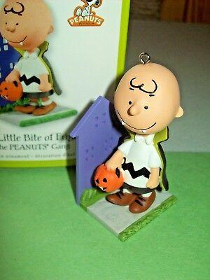 Hallmark Charlie Brown Vampire A Little Bite of Fright Halloween 2011 Ornament (A Charlie Brown Halloween)
