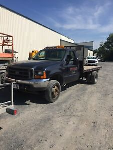 2001 Ford 1 Ton Flatbed