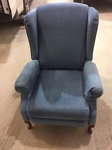 AUTHENTIC LAZY BOY WING CHAIR RECLINER