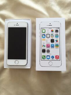Genuine Apple iphone 5s 32GB White. Bossley Park Fairfield Area Preview