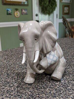 Lladro Painful Elephant #5020 -
