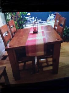 Wicker Emporium solid wood table plus 6 chairs plus leaf