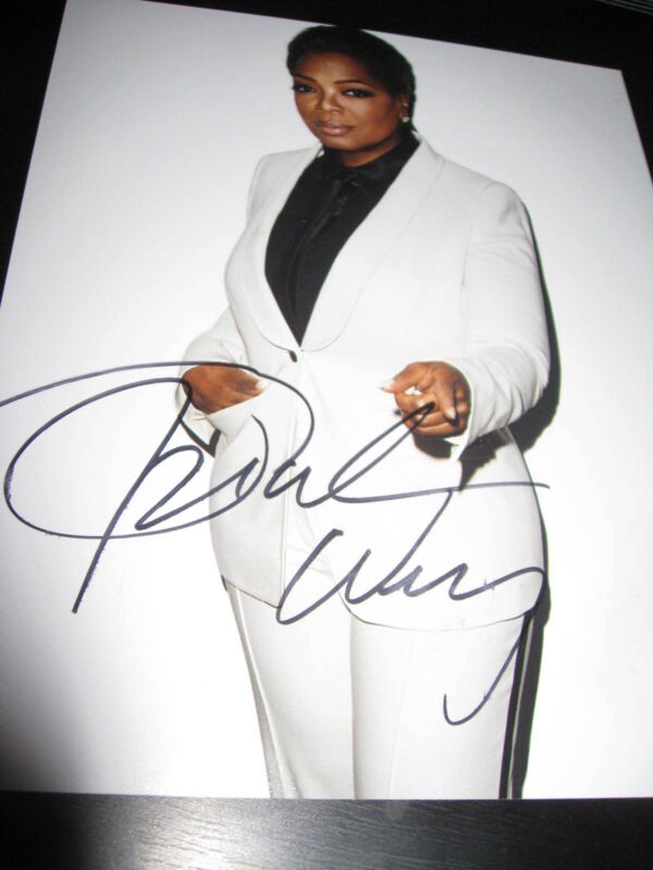OPRAH WINFREY SIGNED AUTOGRAPH 8x10 PHOTO SELMA PHOTOSHOOT SUIT IN PERSON COA NY