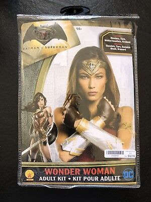 Wonder Woman Adult Kit Gauntlet Set Batman vs - Wonder Woman Kostüme Kit