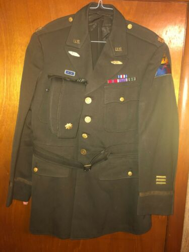 World War II 7th Armored Division Officers Uniform